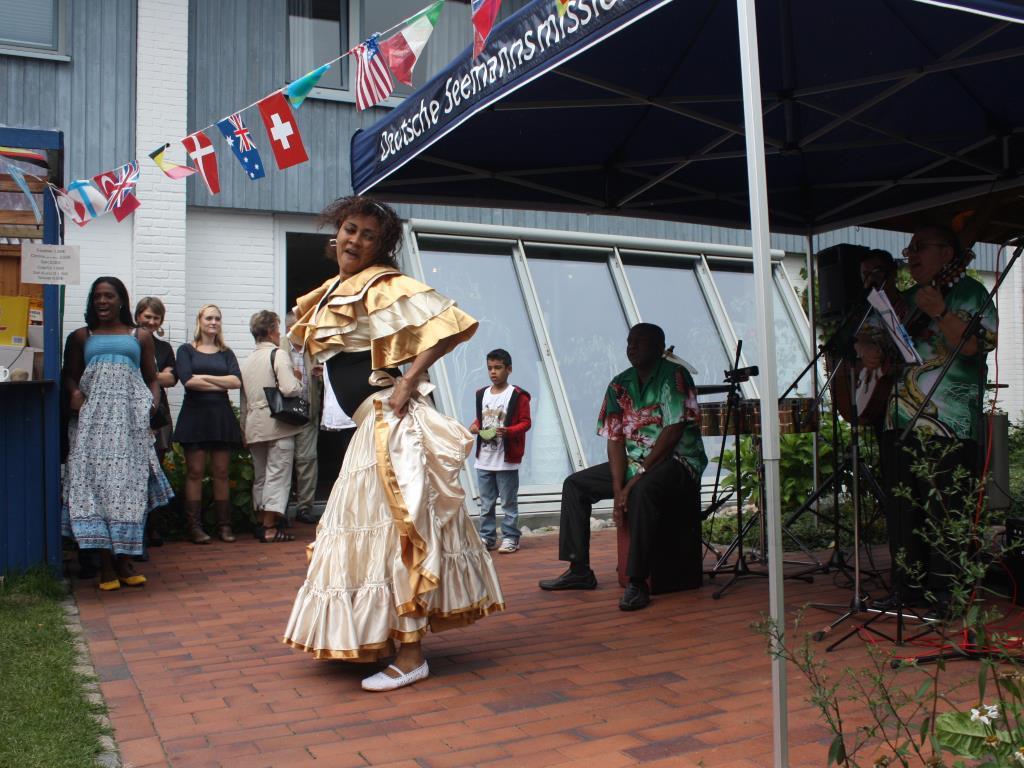 Archivbild: Tanzvorführung auf dem Sommerfest 2011 (Foto: Uschi Mazurek)