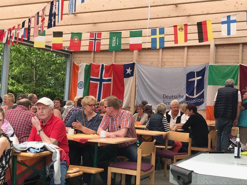 Leon Meier und Anja Brandenburger-Meier freuen sich auf viele Gäste beim Sommerfest.